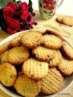 Ciasteczka robione tłuczkiem do mięsa | Smaczna Pyza Baking Recipes, Cookie Recipes, Dessert Recipes, Delicious Desserts, Yummy Food, Cooking Cookies, Galletas Cookies, Sweets Cake, Dessert Drinks