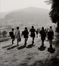 Robert Doisneau, Schoolchildren in Wangenbourg, 1945