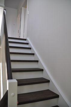 Treppe-Geschlossen-Weiss-Dunkel-e1376914230942.jpg 425×640 pixels