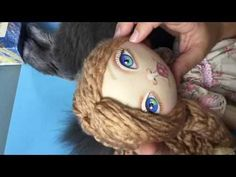 We put the hair to the cloth wrist Doll Videos, Doll Dress Patterns, Polymer Clay Dolls, Sewing Dolls, Doll Tutorial, Afghan Crochet Patterns, Doll Maker, Soft Dolls, Fabric Dolls