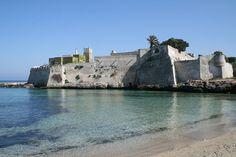 Spiaggia di Porto Ghiacciolo, Monopoli, Puglia.