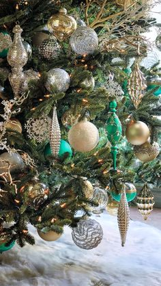Gold, silver and a heavenly teal are the primary colors in our elegant Donatella Ornament Collection. Oh the splendor! Woodland Christmas, Elegant Christmas, Green Christmas, Winter Christmas, Christmas Home, Beautiful Christmas, Christmas Tree Decorations, Christmas Tree Ornaments, Xmas Tree