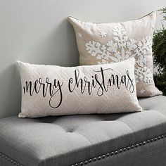 Looking for for ideas for farmhouse christmas tree? Check this out for unique farmhouse christmas tree ideas. This kind of farmhouse christmas tree ideas seems to be completely excellent. Christmas Towels, Christmas Cushions, Christmas Pillow, Christmas Home, Merry Christmas, Black Christmas, Christmas Ideas, Apartment Christmas, Classy Christmas