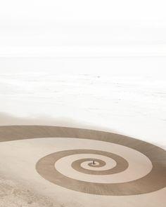 Jim Denevan's amazing sand art.