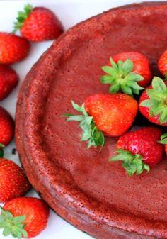 Cheesecake de terciopelo rojo tipo red velvet-Este cheesecake de terciopelo rojo es perfecto para celebrar ese día con los tuyos. Seguro que si te gustan los bizcochos Red Velvet este cheesecake te fascinará.