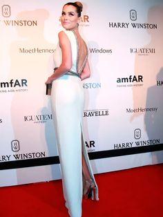 Look de Alinne Moraes vestido longo no red carpet.