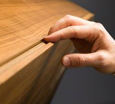 Highboard nach Maß von Mobilamo in Echtholzfurnier Nuss Wood Veneer, Real Wood, Storage Shelves, Furniture Design, Design Ideas, Storage Racks, Plywood