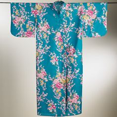 #LuxeLounging #Floral #Blossoms #Kimono #GiftIdea #GiftResponsibly #GlamGifting