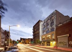 Nitehawk Cinema and Apartments / Caliper Studio | ArchDaily