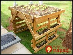 Wooden Pallet Herb Planter Pallet Ideas is part of Palette garden - Are you into the gardening activity Well, this is a kind of addiction for the ones who are really into it Other than mere plants Some herbs are also planted… Wooden Garden Planters, Herb Planters, Planter Boxes, Wood Pallet Planters, Diy Pallet Projects, Pallet Ideas, Garden Projects, Diy Garden, Herbs Garden