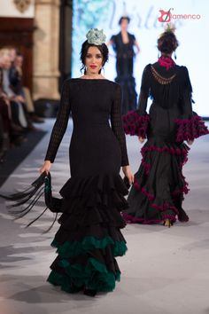 Pepa Garrido - We Love Flamenco 2018 Spanish Woman, Spanish Style, Flamenco Party, Weird Sisters, Black White Fashion, Fishtail, Evening Dresses, Cool Outfits, Prom