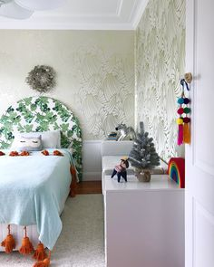 Kids bedroom decorated for Christmas