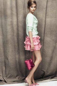 Nina Ricci Parigi - Pre-Spring 2012 - Shows - Vogue. Pretty Outfits, Cute Outfits, Work Outfits, High Fashion, Fashion Show, Timeless Fashion, Fashion Brand, Runway Fashion, Fashion Women