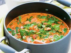 Bild på Korv Stroganoff This looks gorgeous even though aside from salmon I have no certain ideas what's in there. shall have to translate! Swedish Cuisine, Swedish Dishes, Swedish Recipes, I Love Food, Good Food, Norwegian Food, Scandinavian Food, Danish Food, Cooking Recipes