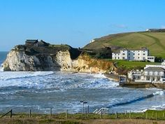 Freshwater Bay on the Isle of Wight - this is where we had our annual holiday, usually in May . Weather was always good , sometimes stayed in Ventnor. English Islands, Emigrate To Australia, Ile De Wight, New Forest, Country Farm, Hampshire, Continents, Mother Nature, Fresh Water
