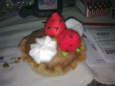 Agulheiro em forma de tortinha...foi presente de aniversário para uma amiga costureira...