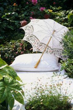 A parasol and a pillow! Luau, Picnic At Hanging Rock, Under My Umbrella, White Umbrella, Umbrellas Parasols, White Cottage, Rose Cottage, Cottage Style, My Secret Garden