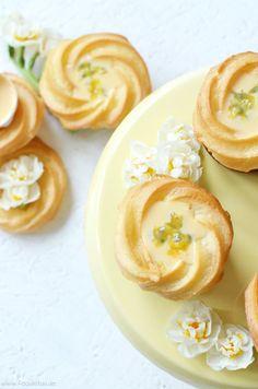 Saint Honore Eierlikör Cupcakes mit Maracuja