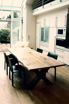 Solid wooden dining table on custom made oak wooden table Rustic tree edge Design Tisch, Interior Architecture, Interior Design, Solid Wood Coffee Table, Concrete Table, Wooden Dining Tables, Furniture Decor, House Design, Home Decor