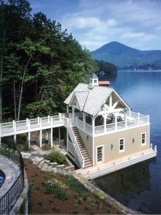 Cabin On The Lake - WOW !