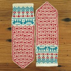 Swedish hearts and dala horses decorate these fine mittens done in lace weight yarn.  These are nice mittens but there is NO WAY that I will knit anything in lace weight... :(