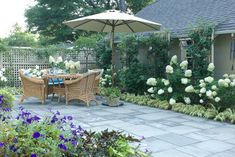 Front Yard Landscaping Design Ideas, Pictures, Remodel, and Decor - page 50
