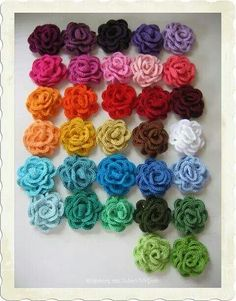 Crochet Roses 10 Crochet Flower Patterns - Learn how to crochet a flower with these 10 easy patterns. Crochet flowers are a fun project for any time of the year, but especially Spring. Stitch Crochet, Crochet Motif, Crochet Stitches, Knit Crochet, Knitted Flowers, Crochet Flower Patterns, Knitting Patterns, Crochet Roses, Crochet Crafts