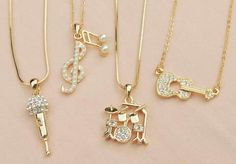 Image about music in Accesorios by Esther on We Heart It Stylish Jewelry, Cute Jewelry, Jewelry Accessories, Fashion Accessories, Jewelry Design, Fashion Jewelry, Accesorios Casual, Magical Jewelry, Friend Jewelry