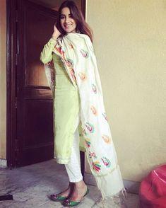 #PunjabiLadiesSuits Indian Suits, Indian Attire, Indian Wear, Indian Dresses, Punjabi Dress, Punjabi Suits, Patiala Dress, Punjabi Fashion, Indian Fashion