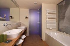 Badezimmer Suite Mountain Design Hotel, Bathtub, Bathroom, Full Bath, Bathing, Standing Bath, Washroom, Bathtubs, Bath Tube