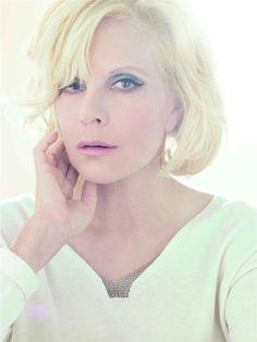 Sylvie Vartan- Fiche Artiste  - Artiste interprète,Chanteur,Compositeur - AgencesArtistiques.com : la plateforme des agences artistiques