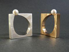 Sophisticated pearl rings