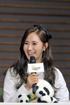 Yuri is excited to hang out with pandas in upcoming variety 'Animals' | http://www.allkpop.com/article/2015/01/yuri-is-excited-to-hang-out-with-pandas-in-upcoming-variety-animals