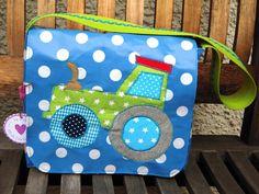 Kindergartentasche Traktor  aus Wachstuch von Wunschpunkt auf DaWanda.com