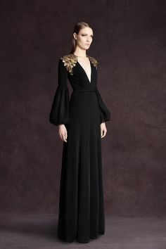 Andrew Gn Pre-Fall 2013 Fashion Show Andrew Gn Pre-Fall 2013 Collection Photos - Vogue Beautiful Gowns, Beautiful Outfits, Velvet Gown, Black Velvet Dress, Dress Black, Mode Inspiration, Fashion Show, Fashion Design, Fashion Trends