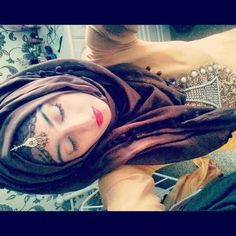Hijab for Life Arab Fashion, Muslim Fashion, Modest Fashion, Fashion Beauty, Hijab Styles, Hair Styles, Arab Style, Hijab Pins, Hair Cover