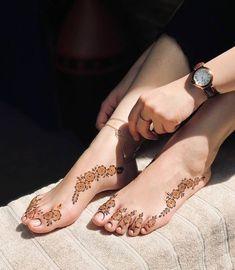 Kashee's Mehndi Designs, Pretty Henna Designs, Modern Henna Designs, Latest Henna Designs, Finger Henna Designs, Mehndi Designs For Girls, Simple Henna Tattoo, Foot Henna, Hennas