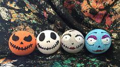 Homemade Halloween, Fall Halloween, Halloween Crafts, Skull Bath Bomb, Halloween Bath Bombs, Melt And Pour, Bath Boms, Bath Fizzies, Bath Salts