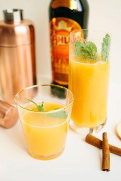 Pumpkin Spice Cider Cocktail #kahluaholiday #pumpkinspice #cocktails #recipes #holidays #entertaining #halloween
