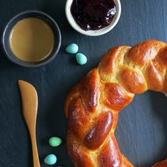 Braided Easter Bread   21 Easter Crafts and Recipes - SavvyMom.ca
