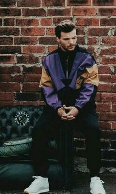 Lou has never looked better. oh wait he has Zayn Malik, Niall Horan, Nicole Scherzinger, Liam Payne, One Direction Images, One Direction Louis, Harry Styles, Rebecca Ferguson, Beautiful Boys