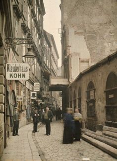 "back-then: "" Judengasse, Vienna Austria, 1913 Photo: Albert Kahn "" Scenery Pictures, Old Pictures, Old Photos, Albert Kahn, Somewhere In Time, Austro Hungarian, Salzburg, Travel Goals, Vienna"