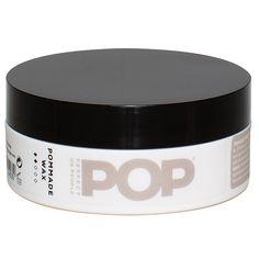 De Pommada wax is een wax op basis van bijenwas voor een gladde of juist meer ruige look. Geeft stevigheid, zonder dat het haar hard wordt. Het haar behoudt zijn flexibiliteit waardoor je het haar eenvoudig kan restylen.