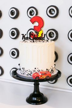 Modern Lightning McQueen cake from a Cars 3 Birthday Party on Kara's Party Ideas. Disney Cars Cake, Disney Cars Party, Disney Cars Birthday, Lightning Mcqueen Party, Lightning Mcqueen Birthday Cake, Car Themed Parties, Cars Birthday Parties, Auto Party, Car Party