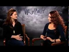 Harry Potter Cast Interview Each Other Bonnie Wright sounds exactly like JK Rowling Harry Potter Gif, Harry Potter Books, Harry Potter World, Evanna Lynch, Bonnie Wright, Mischief Managed, Deathly Hallows, Have Time, Hogwarts