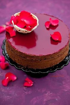Tort czekoladowy z chrupiącą praliną