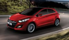After the tremendous success of Hyundai i20, the South Korean automaker has decided to roll out the new 2013 Hyundai i30 that offers so much more to the consumers. Here we take a quick look at the top features of the vehicle in the 2013 Hyundai i30 review.