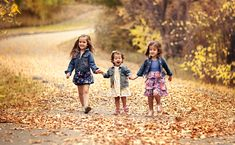 Fall Family Photo Tips: Me Ra Koh, Photo: Nicole Elliott, Me Ra Koh CONFIDENCE Teacher, Fall Photo Tips; http://www.merakoh.com/2012/11/06/fall-family-photo-tips/