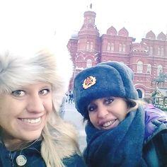 Lo storico selfie di Alessandra Mussolini da Piazza Rossa, Mosca
