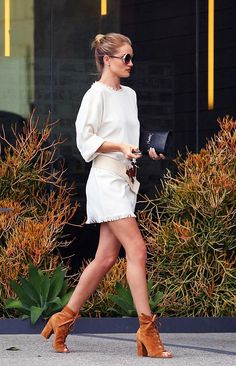 Rosie-Huntington-Whiteley-outfit-mar-2016-03